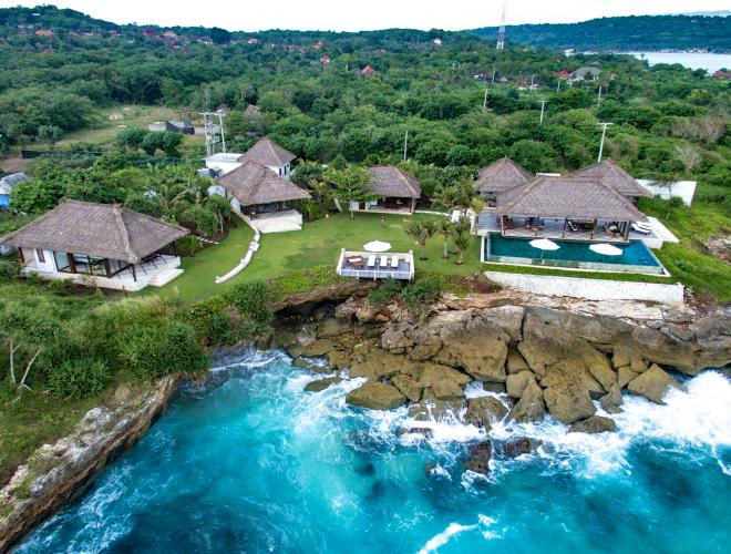 THE STUNNING LOCATION OF VILLA BAHAGIA. DREAM BEACH. LEMBONGAN