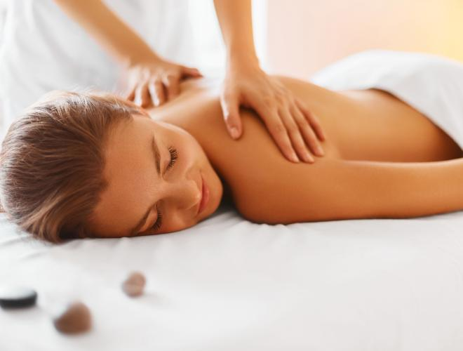 ENJOY A RELAXING MASSAGE IN THE PRIVACY OF THE VILLA WITH OUR OWN MASSEUR, KOMUNG